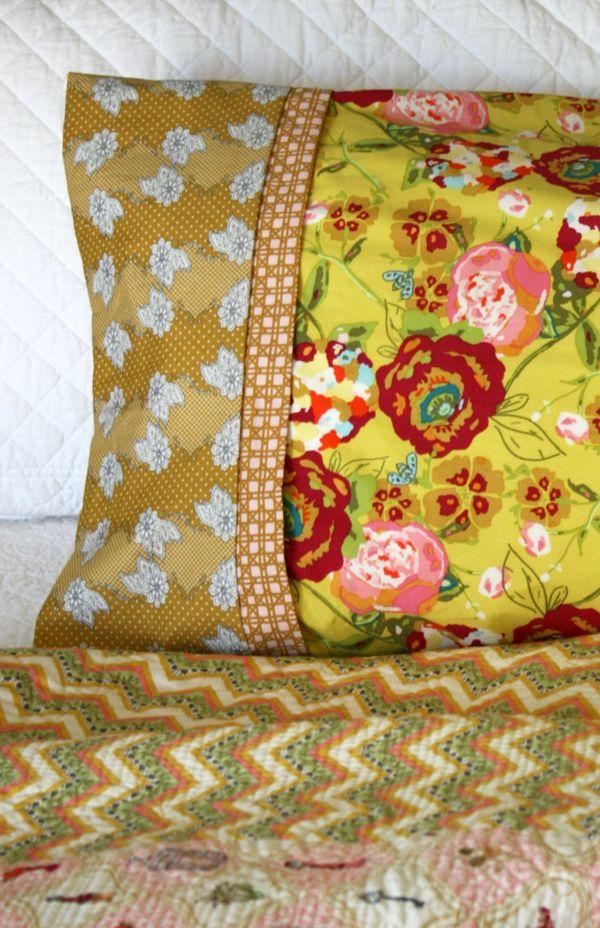 French seamed pillowcase. - Bari J. & 14 days of LillyBelle... Day 13. French seamed pillowcase. - Bari J. pillowsntoast.com