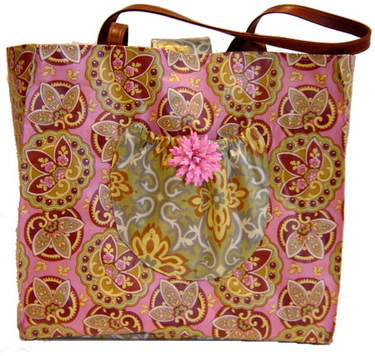 Connie_wipeable_pinkpaisley_full