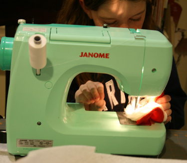 Anna_sewing